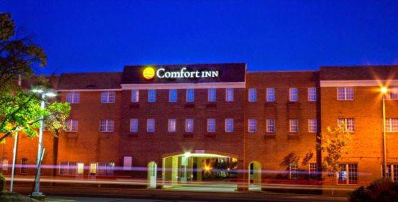 Arlington, VA hotels with free parking